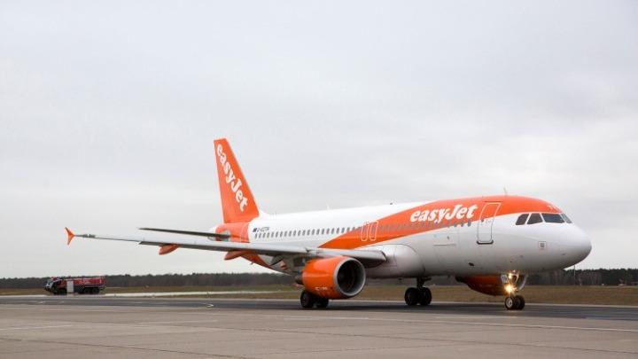 """""""Χτυπάει"""" και τις αεροπορικές εταιρείες ο κοροναϊός – Ποια μέτρα παίρνουν"""