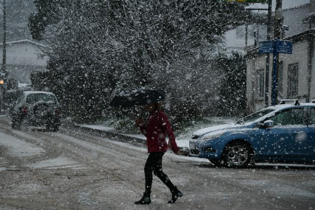 Χαλάει ο καιρός: Έρχονται βροχές, καταιγίδες και χιονοπτώσεις