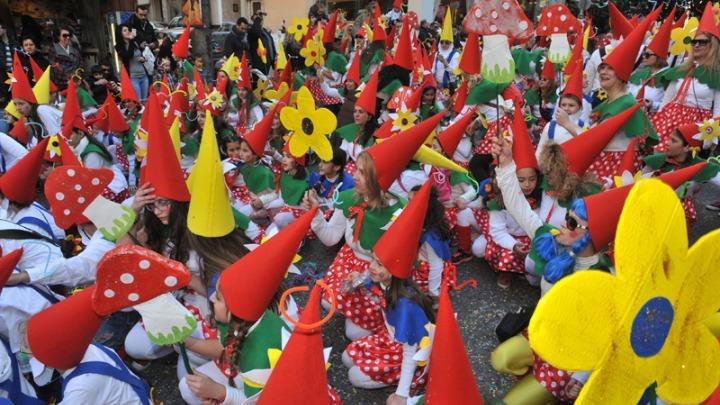Καλοκαιρινό καρναβάλι ανήγγειλε ο δήμαρχος Πατρέων Κ. Πελετίδης