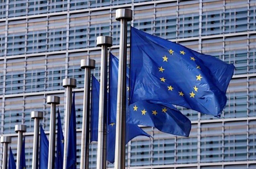 EE: Τα κράτη-μέλη μπορούν να δεχτούν πλήρως εμβολιασμένους νωρίτερα από το όριο των 14 ημερών