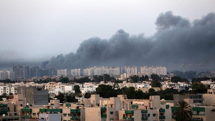 """Λιβύη: """"Βροχή"""" από ρουκέτες έπληξαν την Τρίπολη και το αεροδρόμιό της"""