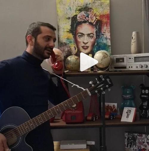 Λεωνίδας Κουτσόπουλος στο Instagram: Ρε μάνα… παλουκώσου σπίτι μπας και κάνουμε καλοκαίρι (vid)