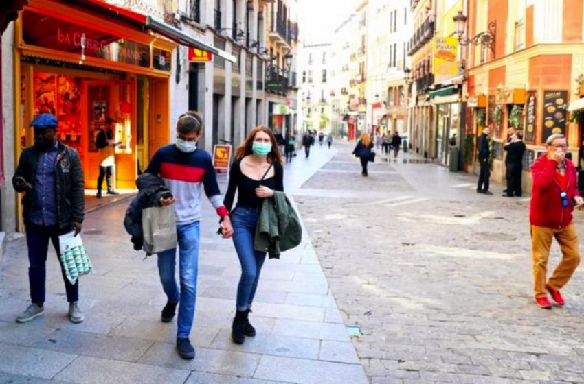 """Κοροναϊός- Ισπανία: """"Ο εμβολιασμός είναι απίθανο να γίνει υποχρεωτικός"""" – Βάση νομοθεσίας είναι εθελοντικός"""