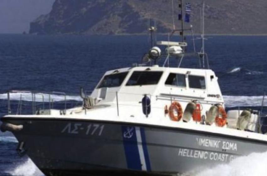 Σκάφος με μετανάστες στα νότια της Κρήτης
