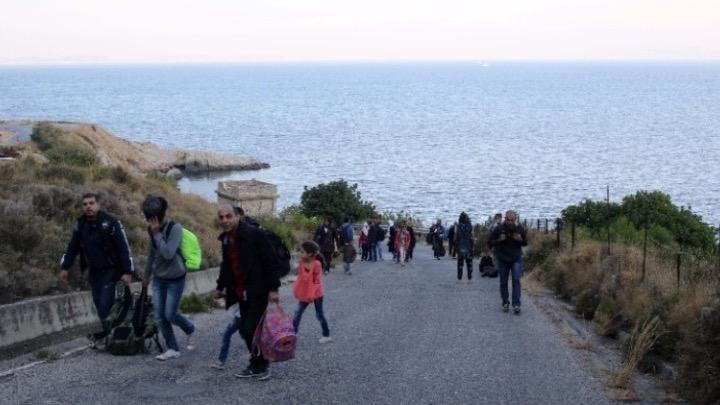 Ευρωβουλευτές σε Κομισιόν:  Διασφαλίστε τα δικαιώματα των αιτούντων άσυλο