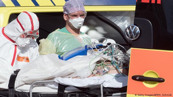 """Γερμανία: """"Τσουνάμι"""" αισχροκέρδειας σε μάσκες και ιατρικό υλικό- """"Σαν την Άγρια Δύση"""", λένε οι ειδικοί"""