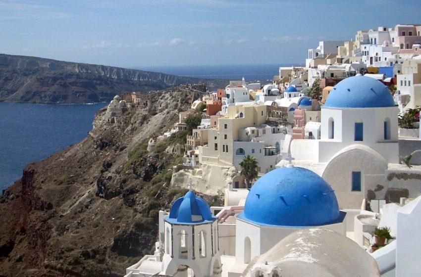 """Καταρρέει ο τουρισμός- Στα 522 εκατ. η μέχρι τώρα ζημία από τις ακυρώσεις- """"Έκρηξη"""" απολύσεων"""