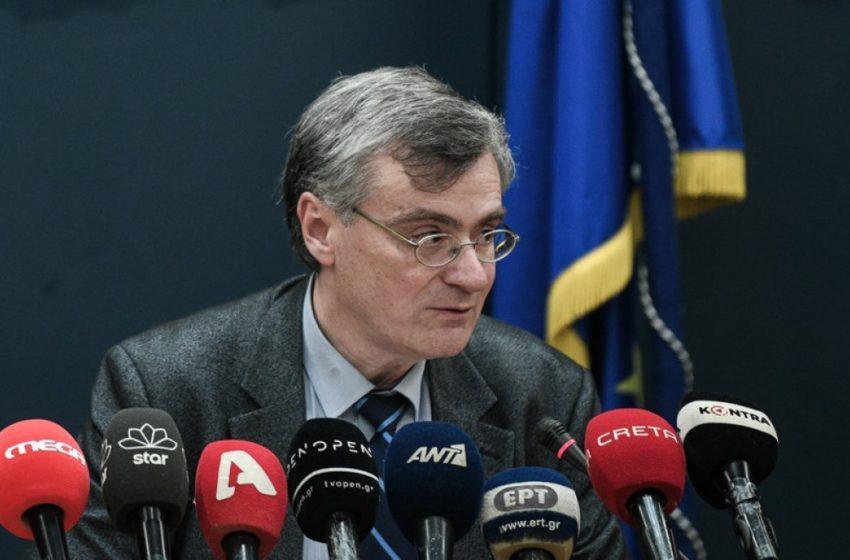 Καθηγητές ΕΚΠΑ κατά Τσιόδρα για τα τεστ του κοροναϊού