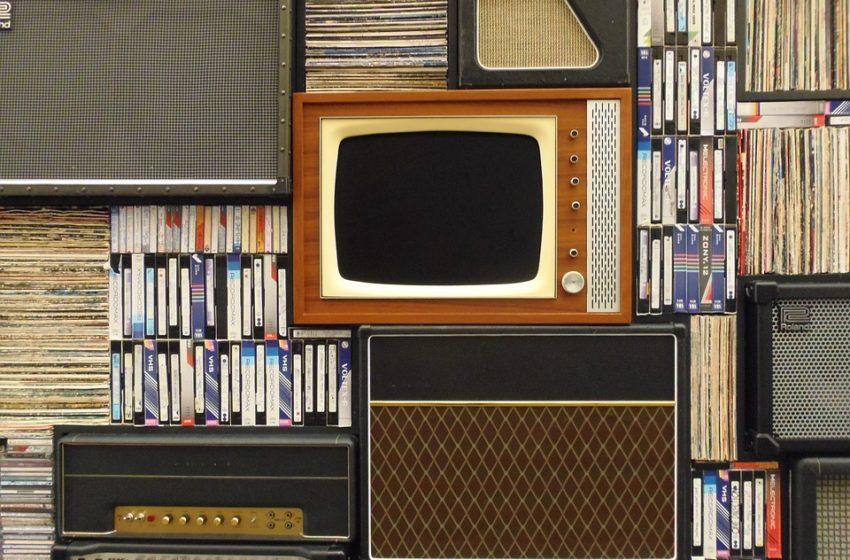 """Κοροναϊός και media: Ποιοι βρίσκουν την """"ευκαιρία"""" για αποκλεισμούς;"""