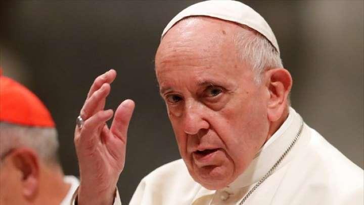 Συναγερμός στο Βατικανό: Θετικός στον ιό συγκάτοικος του πάπα