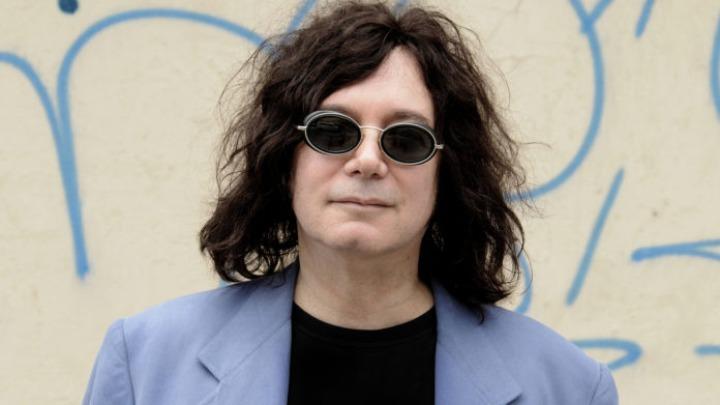 Πέθανε ο δημιουργός του θρυλικού τραγουδιού «I Love Rock N Roll» από κοροναϊό