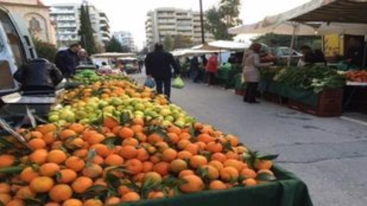 Λαϊκές αγορές: Αντιδρούν οι παραγωγοί για την απαγόρευση λειτουργίας τα Σαββατοκύριακα
