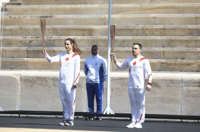 Με Πετρούνια και Στεφανίδη η παράδοση της Ολυμπιακής Φλόγας