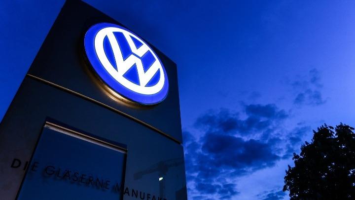 Η Volkswagen τραβάει χειρόφρενο: Σε άδεια 80.000 εργαζόμενοι