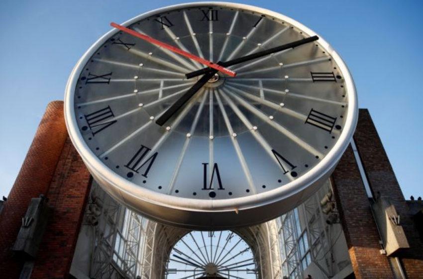Αλλάζει η ώρα – Τα ρολόγια μπροστά