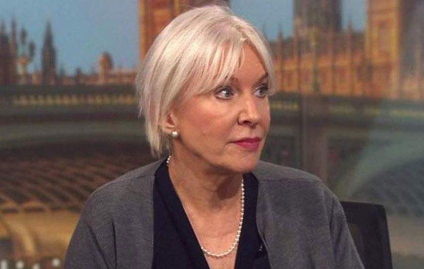 Η υφυπουργός Υγείας της Βρετανίας διαγνώστηκε με κοροναϊό – Είχε συναντηθεί με Τζόνσον