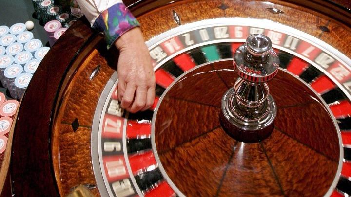 Ανοίγουν τα καζίνο με αυστηρά υγειονομικά πρωτόκολλα – Ετσι θα λειτουργήσουν