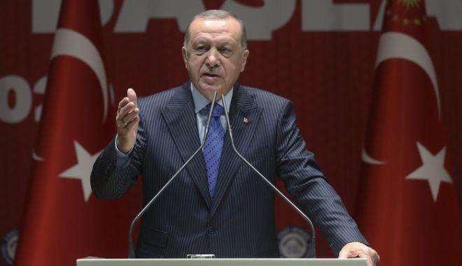 Ερντογάν: Οι Ελληνες θα χρειαστούν το έλεος που χρειάζονται οι πρόσφυγες