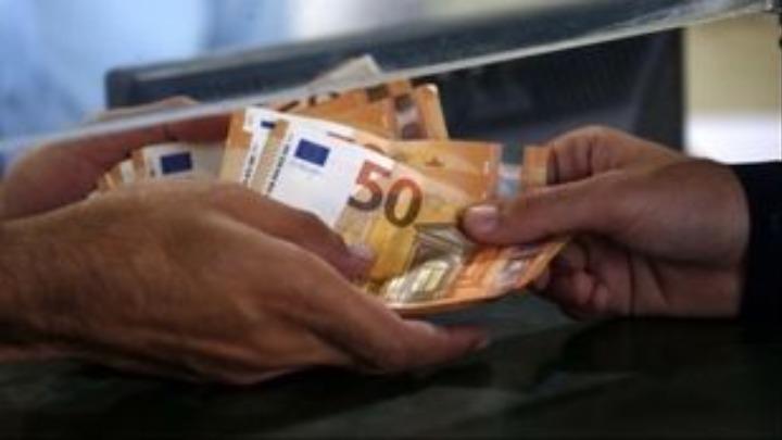 ΥΠΟΙΚ: Ποιοι δικαιούνται την έκπτωση του 25% – Παράταση στην πληρωμή των φόρων Μαρτίου έως 10 Απριλίου