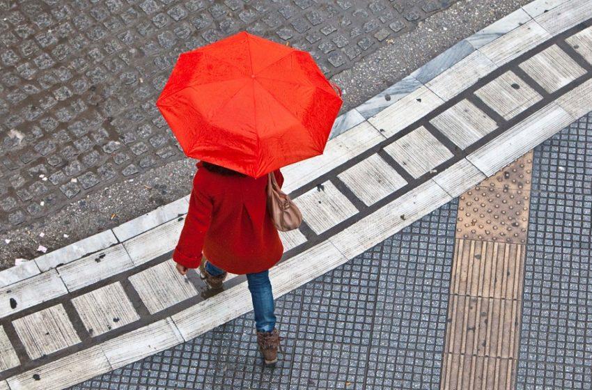 Λασποβροχές, καταιγίδες και πιθανές χαλαζοπτώσεις τη Δευτέρα