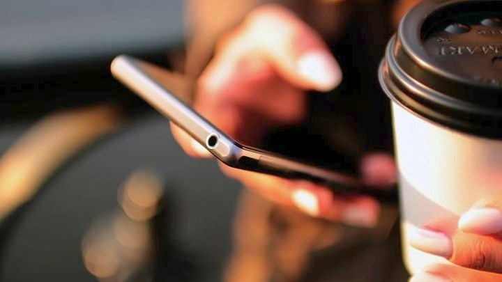Αποσύρεται από την παγκόσμια αγορά κινητής τηλεφωνίας – Ποια τεράστια εταιρεία είναι…