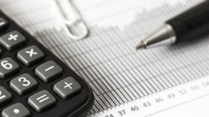Αναστολή καταβολής ΦΠΑ και βεβαιωμένων οφειλών των επιχειρήσεων που επλήγησαν