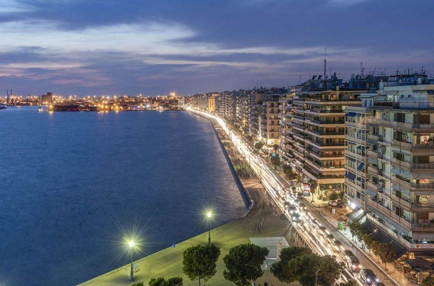 Αν είναι δυνατόν! – Γεμάτη κόσμο η παραλία Θεσσαλονίκης (vid) – Ζέρβας: Αν δεν κλείσει, θα την κλείσω εγώ