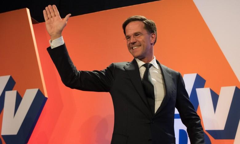 """Πρωθυπουργός Ολλανδίας: """"Χαλαρώστε, υπάρχει χαρτί υγείας για 10 χρόνια"""""""