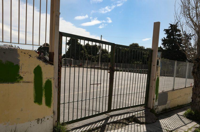 """""""Βόμβα"""" Κεραμέως: Δεν αποκλείεται να παραταθεί το κλείσιμο των σχολείων"""