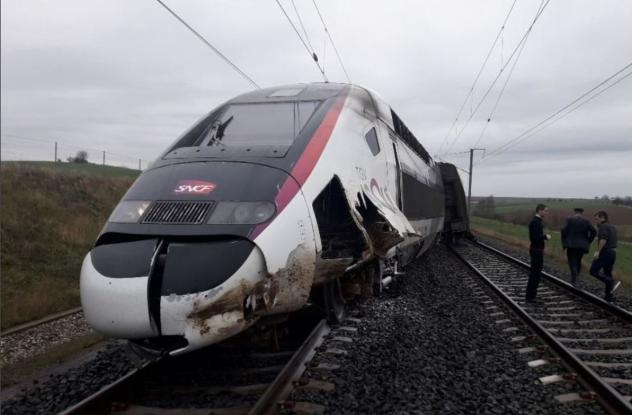 Εκτροχιασμός τρένου στη Γαλλία (vid)