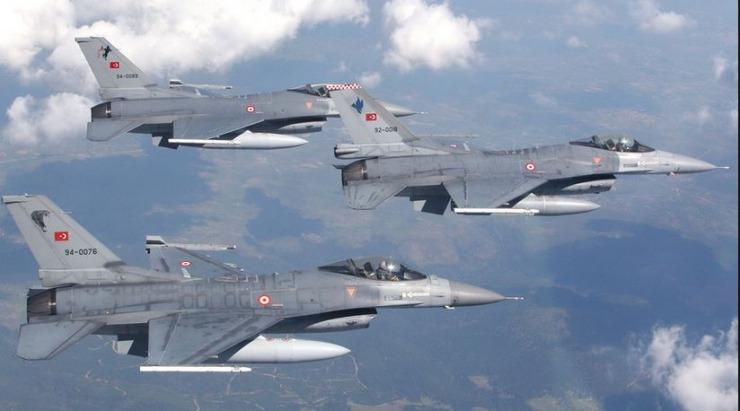Η Τουρκία κλιμακώνει και στο Αιγαίο με υπερπτήσεις μαχητικών