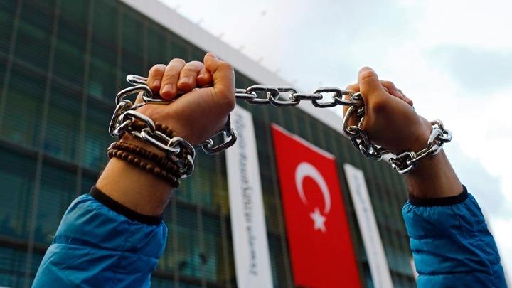 Ανοίγει τις φυλακές λόγω κοροναϊού ο Ερντογάν