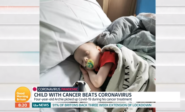 Τετράχρονος με καρκίνο νίκησε τον κοροναϊό – Τον κόλλησε στο νοσοκομείο (vid)
