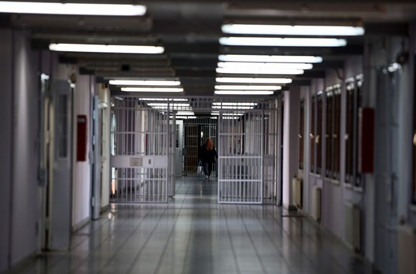 Εξέγερση στις γυναικείες φυλακές Ελαιώνα Θήβας μετά τον θάνατο 35χρονης