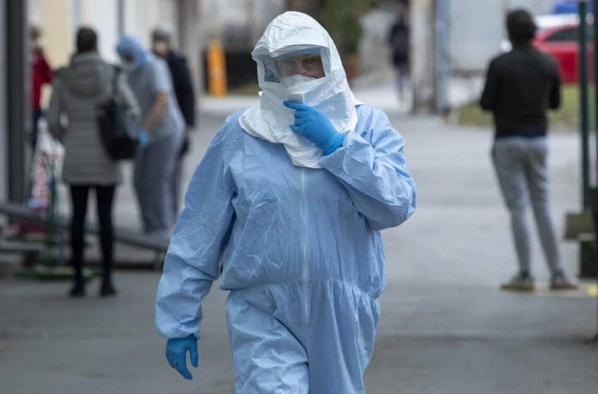 Κοροναϊός : 800 νέα κρούσματα και 32 θάνατοι – Στους 362 οι διασωληνωμένοι