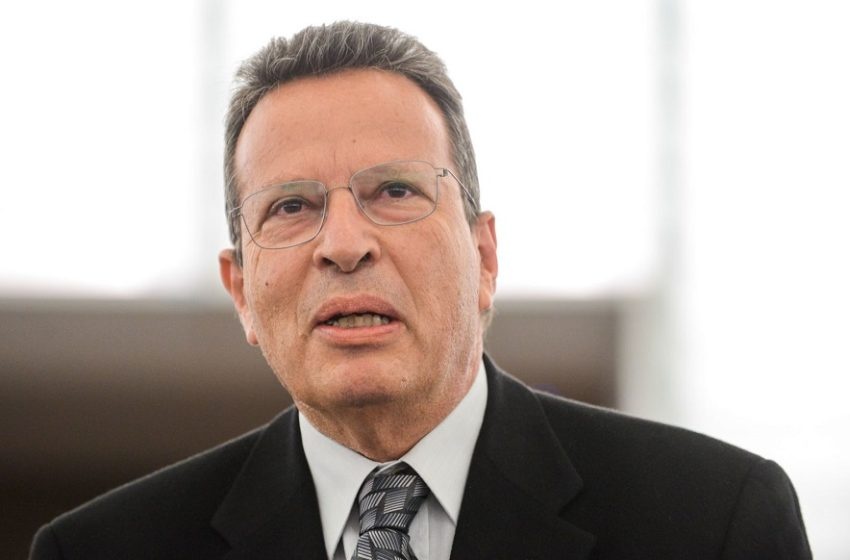 Γ.Κύρτσος: Πυρά για τον αριθμό των μελών του νέου κυβερνητικού σχήματος (pics)