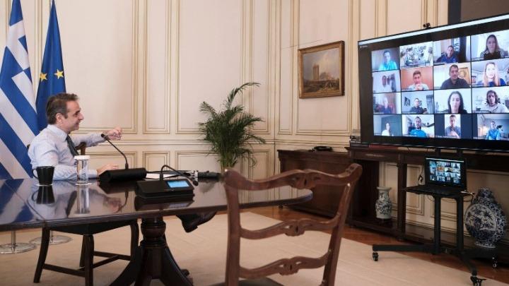 Εμβολιασμός: Η ενημέρωση των πολιτών στο τραπέζι της τηλεδιάσκεψης του Κυρ.Μητσοτάκη με υπουργούς και Τσιόδρα