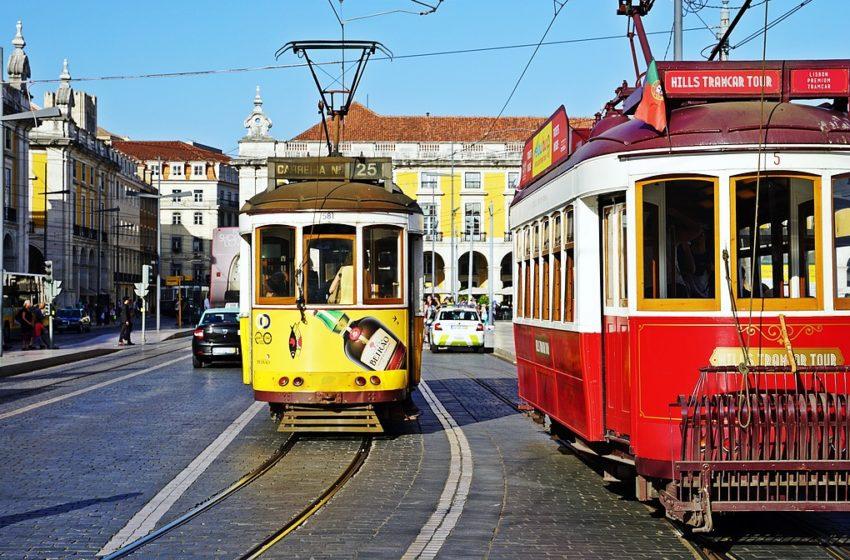 Παρατείνονται μέχρι τα μέσα Μαΐου οι περιορισμοί εισόδου ξένων ταξιδιωτών στην Πορτογαλία
