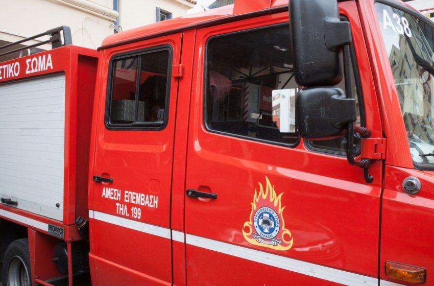 Πειραιάς: Πυρκαγιά στην Θηβών