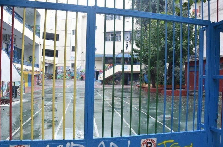 H εξήγηση των λοιμωξιολόγων γιατί δεν άνοιξαν τα σχολεία
