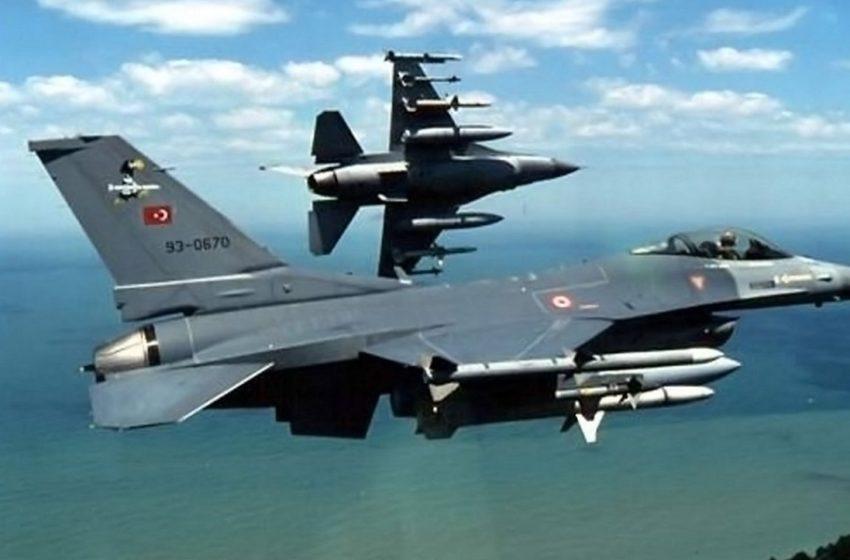 Τουρκικά F-16 πραγματοποίησαν υπέρπτηση πάνω από τις Οινούσσες και παρενόχλησαν το ελικόπτερο του υπ. Εθνικής Άμυνας