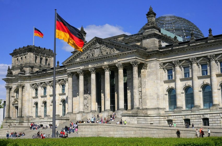 """Μερική αναδίπλωση από Βερολίνο για τα περί """"πειρατείας"""" των ΗΠΑ σε υγειονομικό υλικό"""
