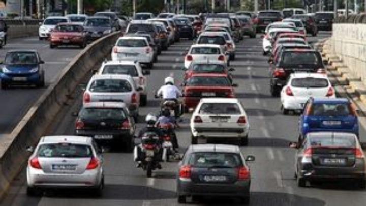 ΑΑΔΕ: Παράνομο ένα στα τρία αυτοκίνητα με ξένες πινακίδες