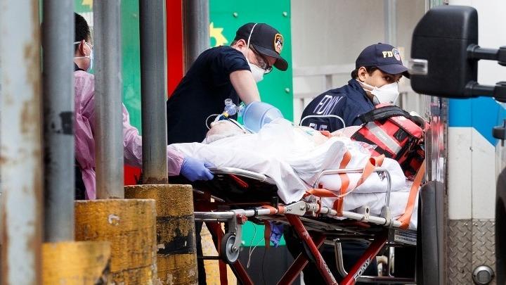 Νέα Υόρκη: Πλησιάζουν τις 11.000 οι νεκροί, αλλά ο κυβερνήτης μιλάει για ύφεση