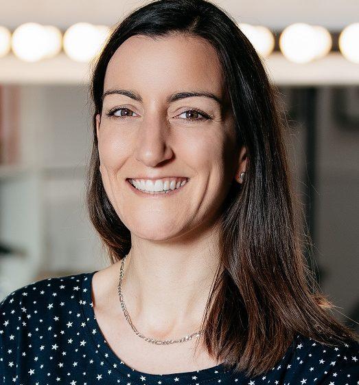 Κοροναϊός: Fake News ότι πέθανε η Δρ Elisa Granato που συμμετείχε σε δοκιμή  εμβολίου – Τι είπε η ίδια (vid)