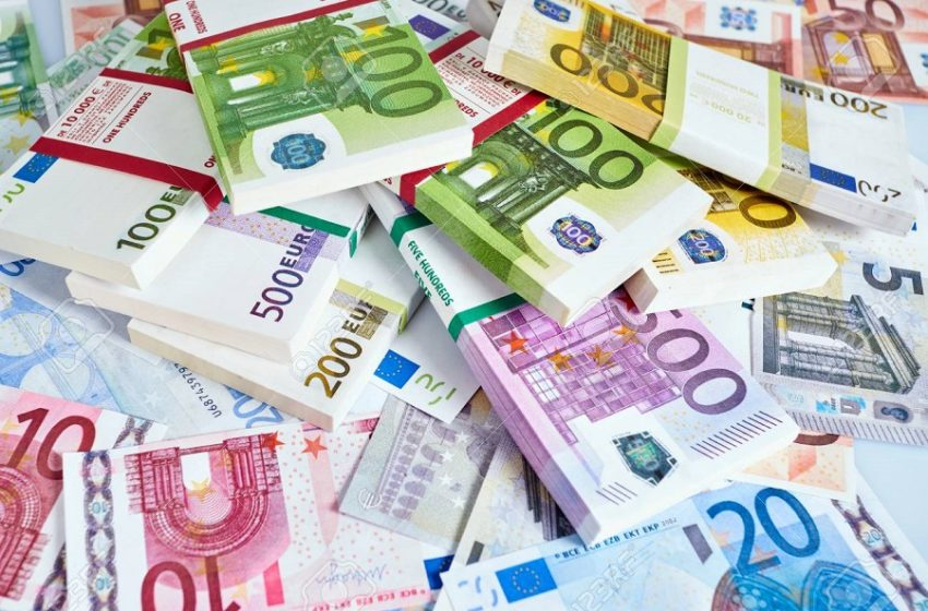 """""""Υπάλληλος"""" του ΣΔΟΕ απέσπασε περισσότερα από 127.000 ευρώ – Πώς εξαπατούσε τα θύματά της"""