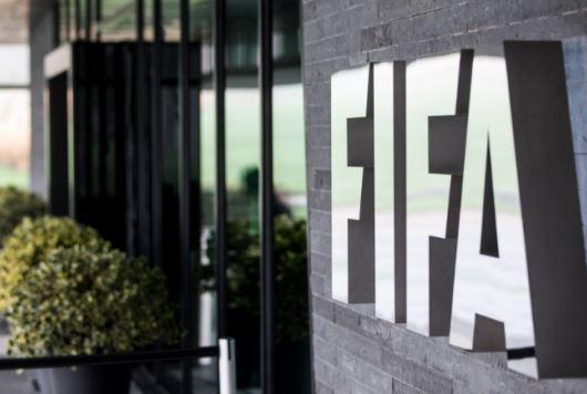 FIFA: Αλλαγές στα συμβόλαια και στην μεταγραφική περίοδο λόγω κοροναϊού
