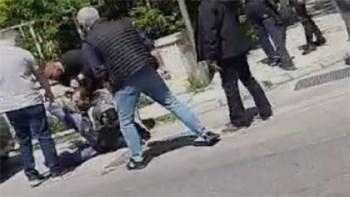 Το βίντεο της ντροπής από την ωμή αστυνομική βία στο κέντρο της Αθήνας (vid)