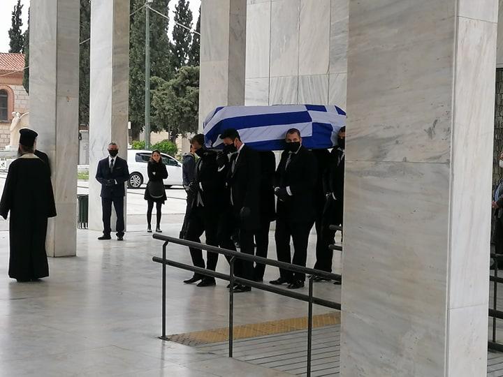 Ύστατο χαίρε στον Μανώλη Γλέζο – Πιο φτωχή η Ελλάδα χωρίς τον μεγάλο αγωνιστή