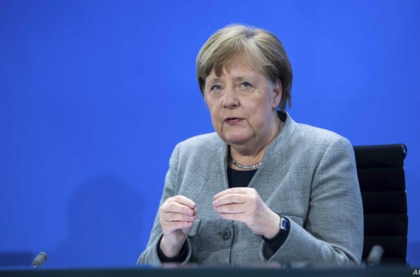 Μέρκελ: Διακοπές εντός Γερμανίας!